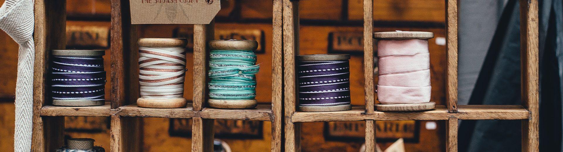 L'ARMOIRE SANS FIN - Trocs & ateliers textiles ° Mode circulaire